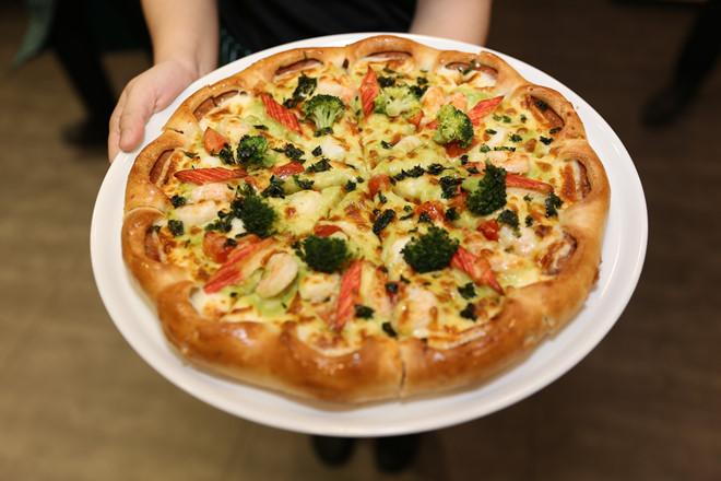Thưởng thức pizza hải sản chuẩn Italy tại Việt Nam
