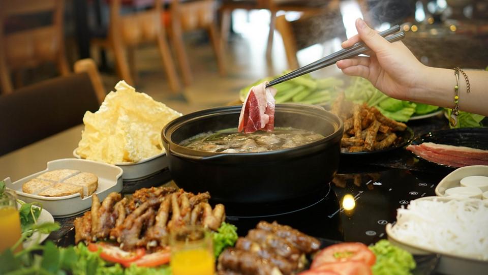 Văn hóa ẩm thực hẻm Sài Gòn 'đổ bộ' thủ đô